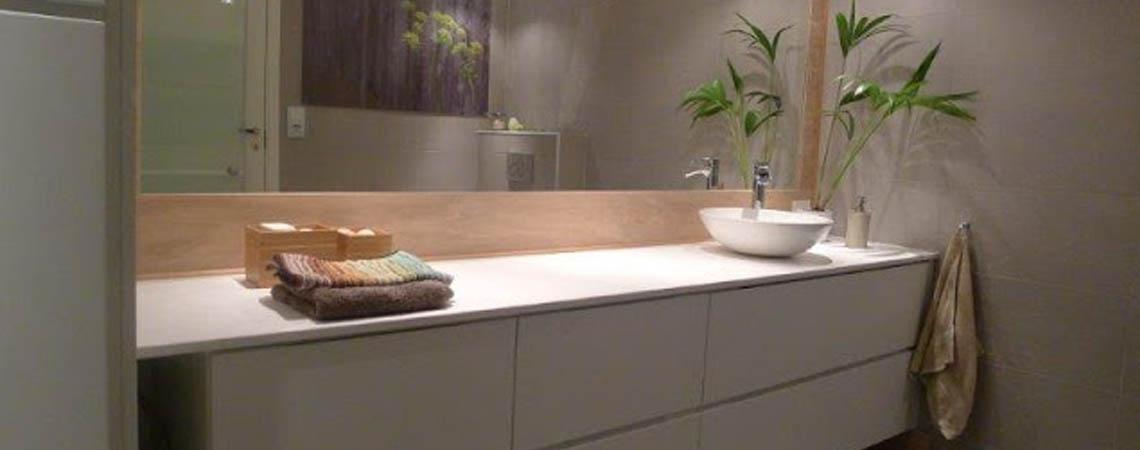 Kombinert bad og vaskerom
